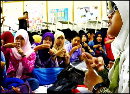 Suasana pembelajaran bahasa isyarat
